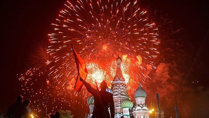 Салют на 9 мая в Москве